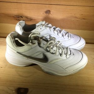 Nike womens Court Lite